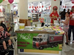 2013 shopping centre stall